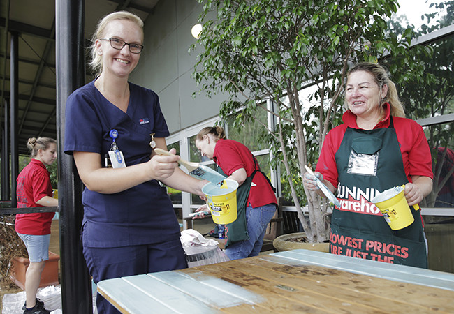 Helping hand from Bunnings